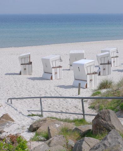 Ihr feinsandiger und flachabfallender Strand.