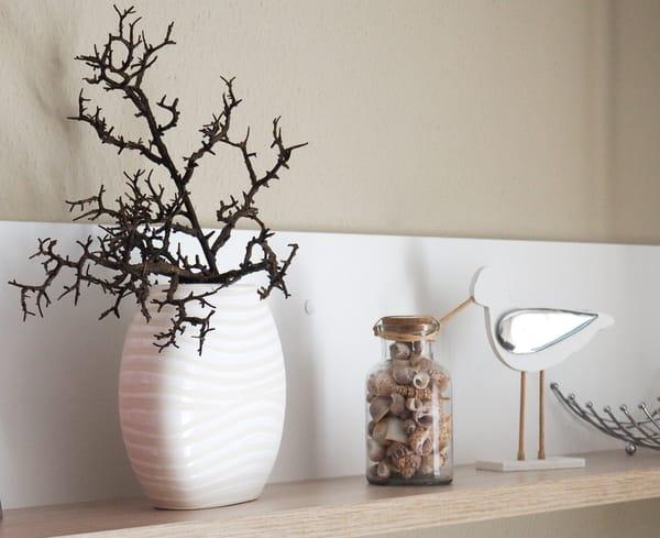 Die Wohnung wird jahreszeitlich dekoriert. Genießen Sie auch die Adventszeit schön dekoriert bei Kerzenschein!