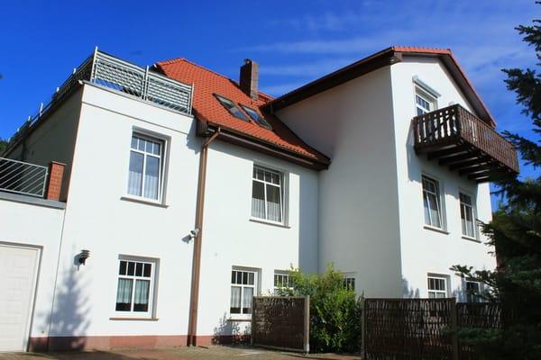 """Vorderansicht Haupthaus """"Ferienhaus Dienst"""""""