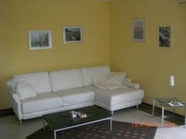 ...kuscheln auf dem Ledersofa... und Kaminofen bei kühleren  Tagen... im Wohnbereich mit            LCD-TV/DVD...