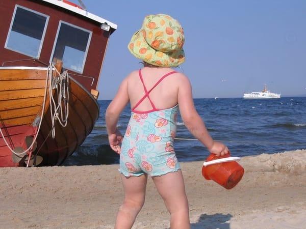 Groß und klein haben Spaß am Strand