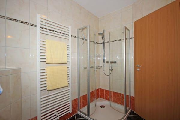 Dusch-Bad im Obergeschoss