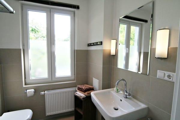 Helles und modernes Wohlfühl-Bad