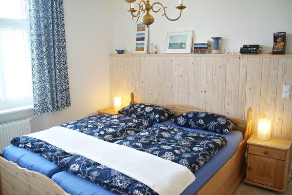 Das größere der beiden Schlafzimmer mit komfortablem Doppelbett in 180 x 200 cm mit getrennten Matratzen