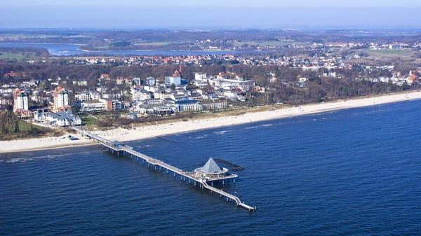 Seebad Heringsdorf mit der Seebrücke