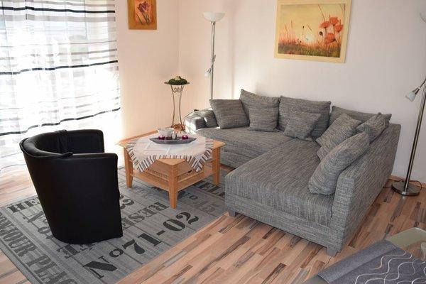 Wohnzimmer mit großer Schlafcouch