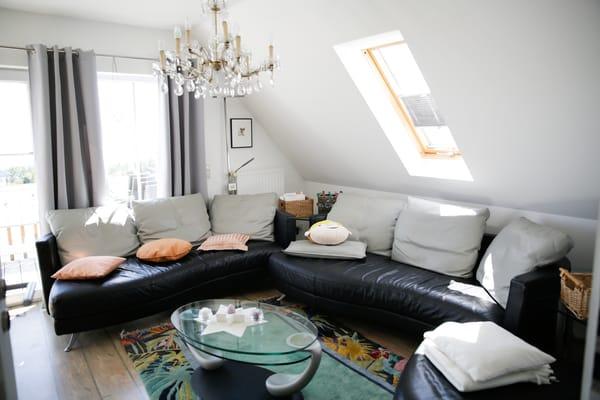 Wohnbereich mit Ledercouch