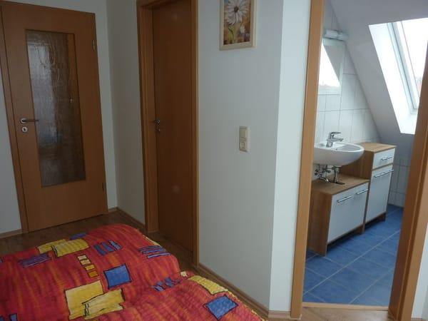 Schlafzimmer mit Gäste WC