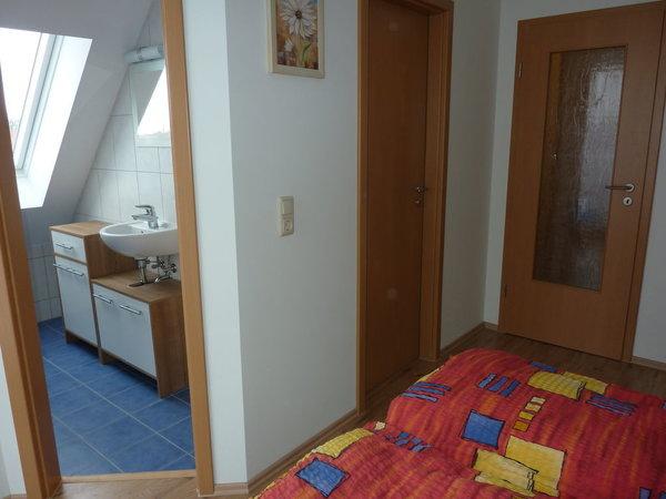 Schlafzimmer 3 mit angrenzendem Gäste WC