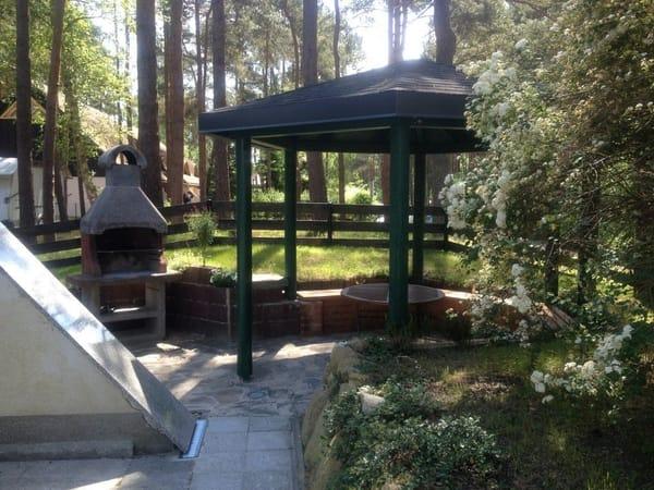 Grillecke mit Pavillon