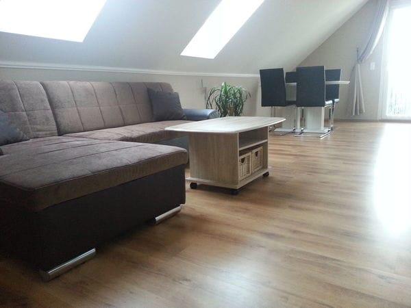 Bis 4 Personen 50 Qm, Wohnzimmer Mit Essbereich, 2 Schlafzimmer Eins Mit  Doppelbett Und Eins Mit Einzel Oder Doppelbett Für 4 Pers, Küchenzeile, ...