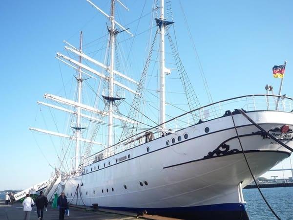 Gorck Fock I im Hafen von Stralsund