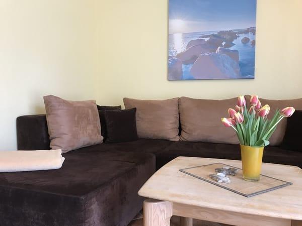 gemütliche XXL - Couch zum Relaxen mit SAT - TV
