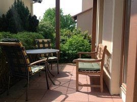 Eßtisch mit 4 Stühlen Süd/ Ost Terrasse
