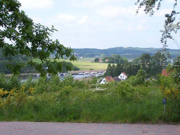 Ortsansicht von Seedorf mit Blick auf die Granitzhöhen