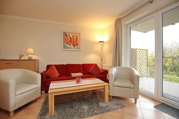 Wohnbereich mit  Sofa und Relax-Sesseln zum Wohlfühlen