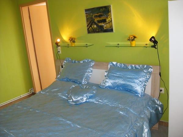 Schlafzimmer mit Eingangsbereich