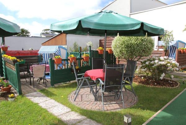 Sitzecke im Garten Südlage