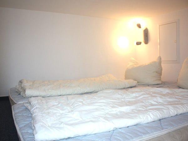 Schlafboden mit 2 Matratzen