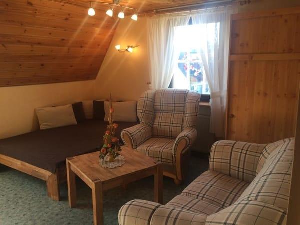 Wohnzimmer mit Aufbettmöglichkeit