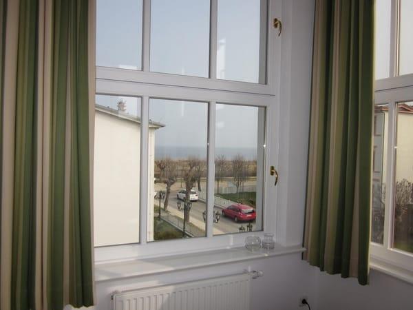 Von der Veranda aus hat man Blick auf die Ostsee