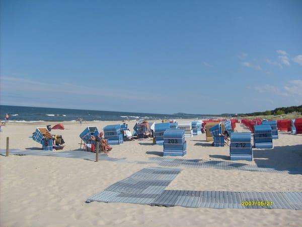 40m breiter, feinsandiger Strand