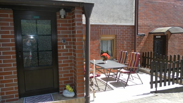 Eingang FeWo und Terrasse