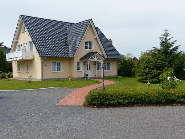 Eingang zu den Fewos Haus D