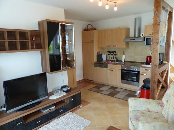 Wohnzimmer mit TV und WLAN