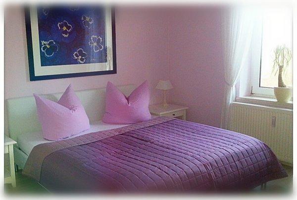 Schlafzimmer (zusätzl. 1 Zusatz- oder Kinderbett möglich)