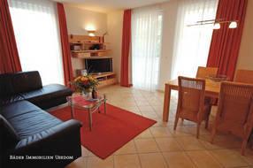 Das 3-Zimmer-Appartement zur Meerseite befindet sich in Hochparterre der Residenz und bietet mit seinen 67 Quadratmetern viel Platz für die ganze Familie. Der Wohn- und Essbereich ...
