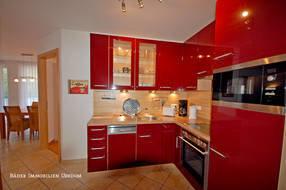 Sämtliche Köstlichkeiten können in der eleganten Küche zubereitet werden, die jeglichen Komfort bietet und somit das Kochherz höher schlagen lässt.
