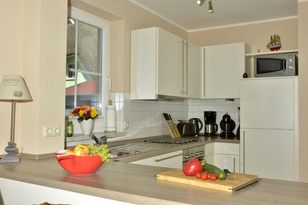 .. sehr gut ausgestattete Küche