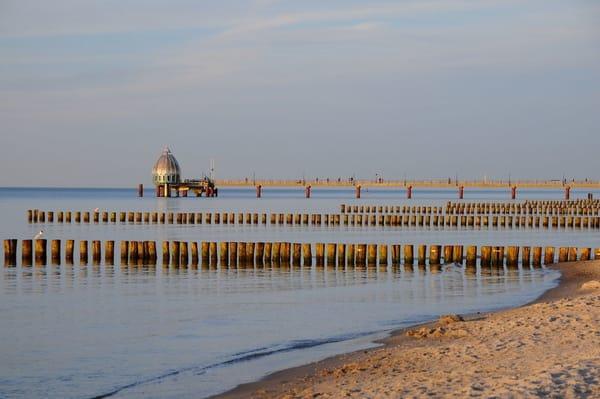 Zingster Seebrücke mit Tauchgondel