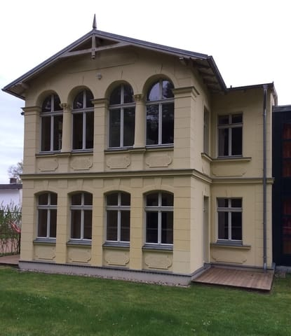 Ferienwohnungen 1 und 2 im EG der Villa mit Terrassen und Gartenzugang