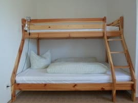 Schlafzimmer 2 - Doppelstockbett 1,40 m breit