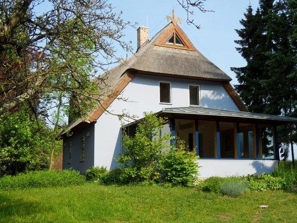 Das idyllische Reetdachhaus mit schönem Wintergarten