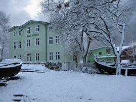Winter vorm Haus
