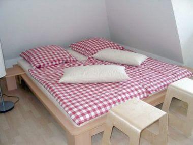Eines der beiden Schlafzimmer + zweiter TV