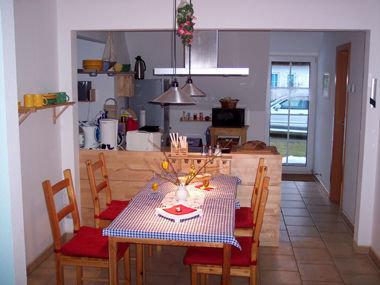 Vollwertig ausgestattete Küche Essbereich für bis zu 6 Personen