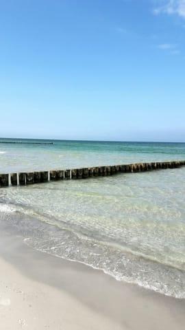 glasklares Wasser, weißer Sand, endloser Horizont...