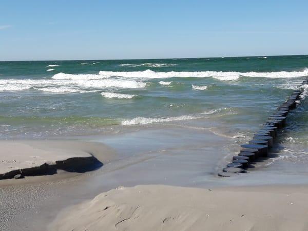 Wandern oder sonnenbaden an kilometerlangen Stränden