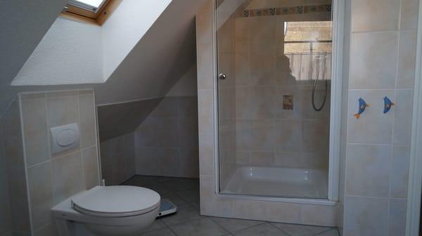 Bad oben mit Dusche