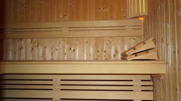 Bad unten mit Sauna, WC und Dusche