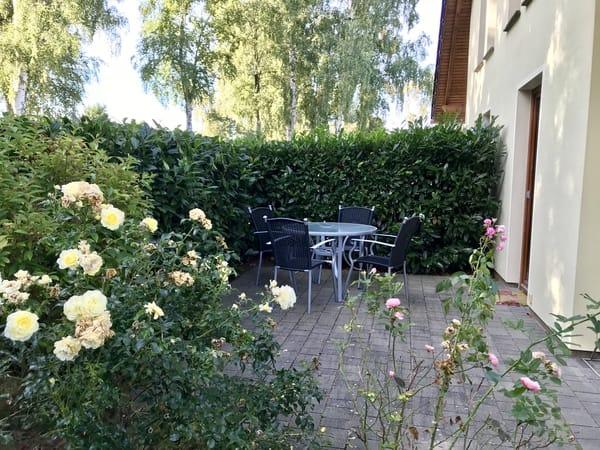 Terrasse mit Sitz- und Grillmöglichkeit
