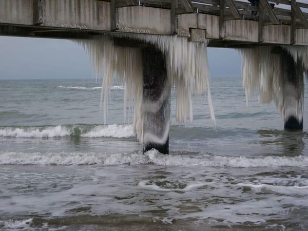 Wie im Märchen,  lange Eiszapfen an der Seebrücke