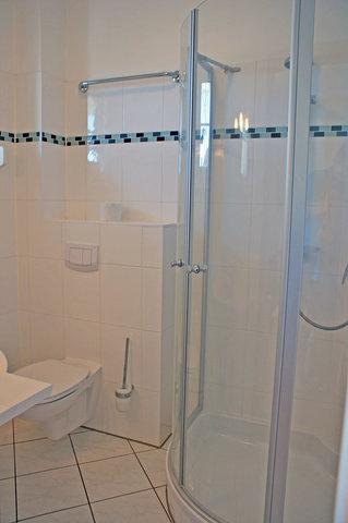 Ferienwohnung Hafenidyll Nr. 40 - Bad mit DU/WC