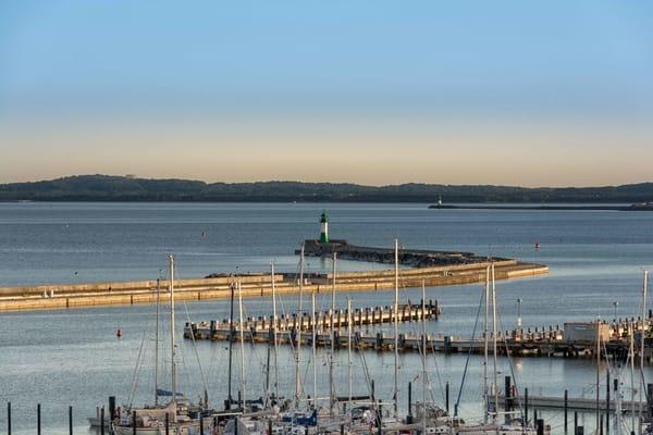 Sassnitzer Hafen mit längster Außenmole Europas
