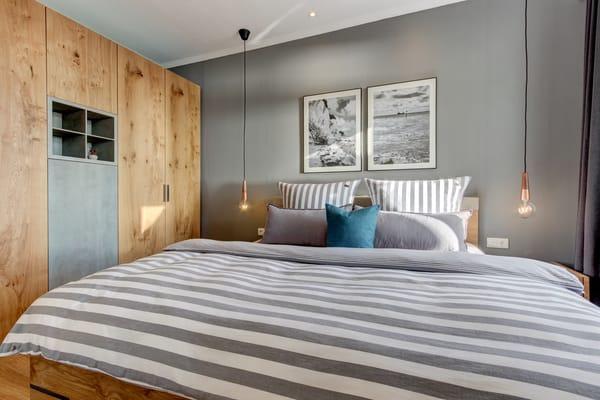 1. Schlafzimmer - Doppelbett 1,80m breit