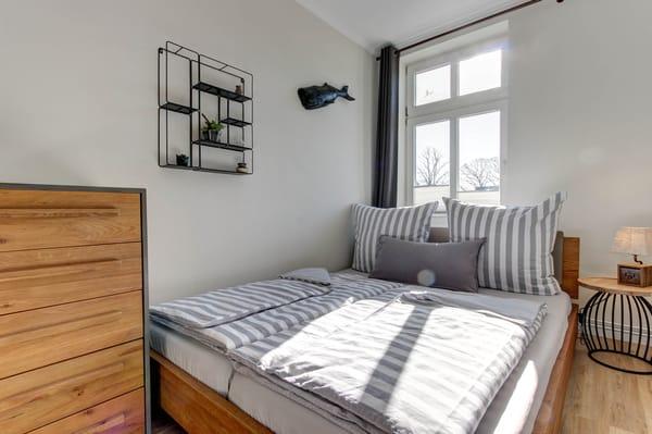 2. Schlafzimmer - Doppelbett 1,60m breit